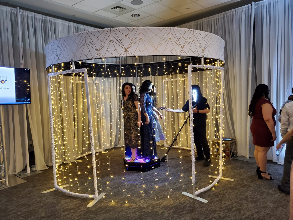OMAHA360booth with fairy light enclosure